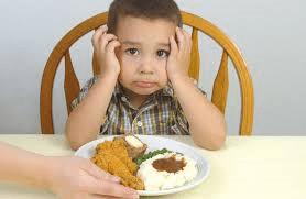 boy-eating