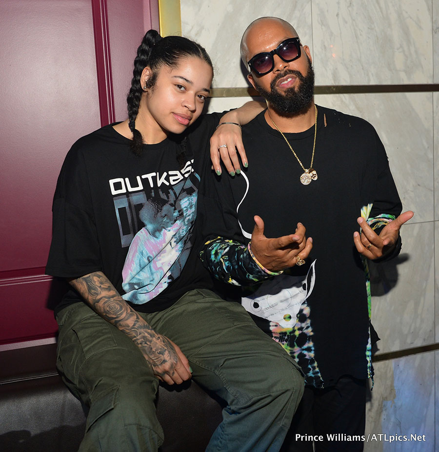 Ella Mai L Posed With Kenny Burns At Her Live