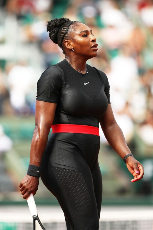 Serena Williams Wears Black Catsuit for 1st Grand Slam Win ...