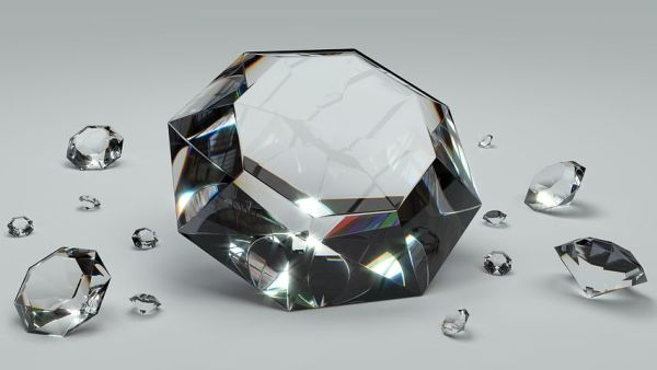 polyaquol-2w-diamanti-sulla-pelle