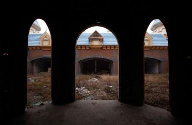 Chinas-Abandoned-Wonderland-10