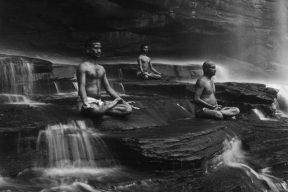 Black-and-White-photography-Tomasz-Gudzowaty-10