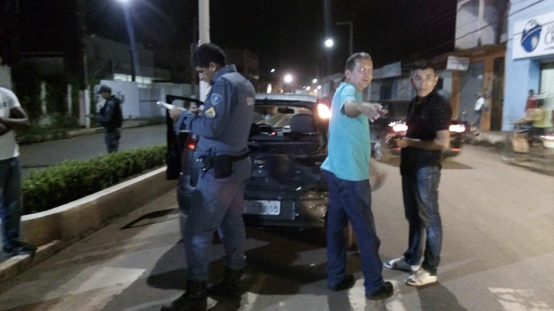 Polícia Militar realizando procedimento normal