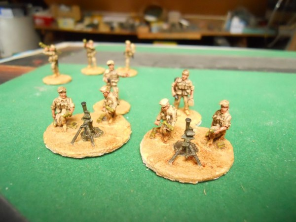 Beret/Russian 82mm mortar & 3 crew