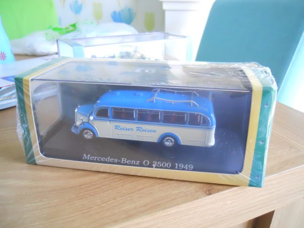 De agostini Mercedes bus