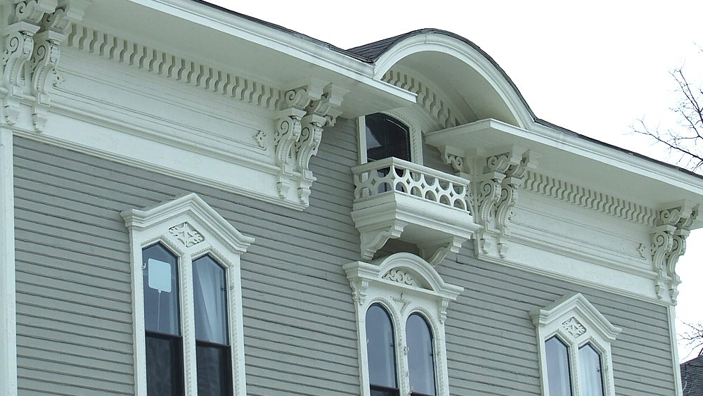 Detailed trim on 101 Court St.