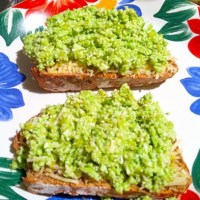 Open-Faced Lemon-Parm Edamame Sammy on Wheat Pepper Bread
