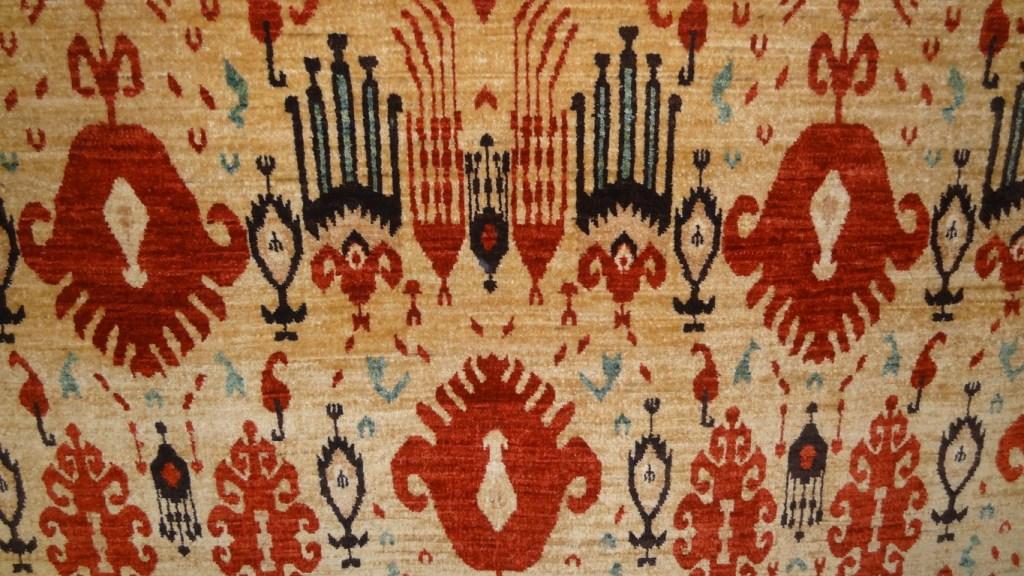 Contemporary Ikat design carpet