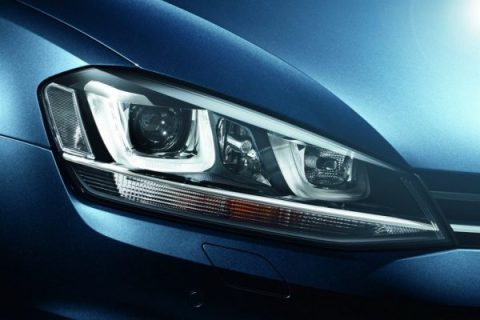 2013-Volkswagen-Golf-Mk7-Head-Light-2-1024x683