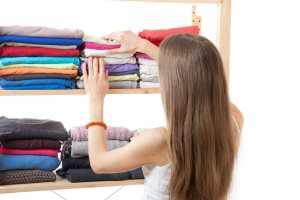 Organize your space, woman, folded clothes
