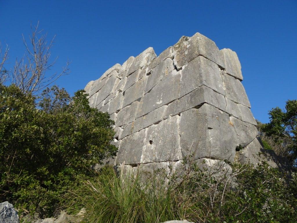 """Le """"misteriose"""" mura ciclopiche del Circeo in un filmato RAI"""