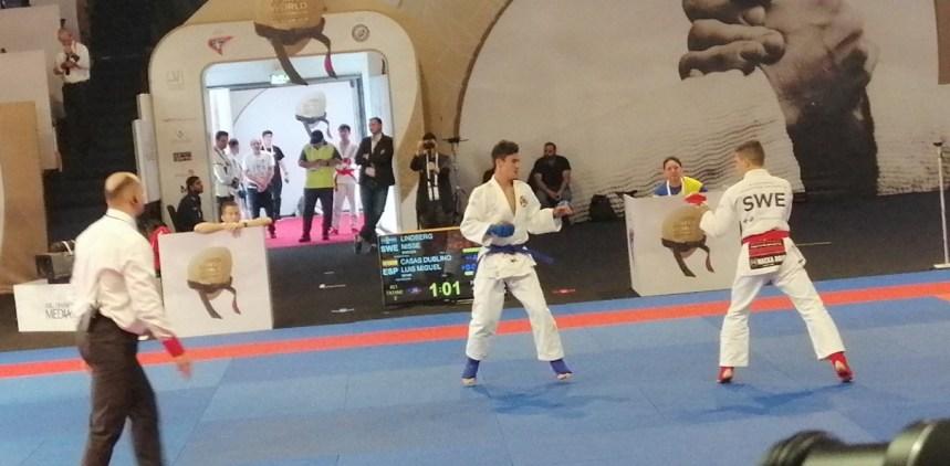 Compitiendo en el Mundial de Abu Dhabi