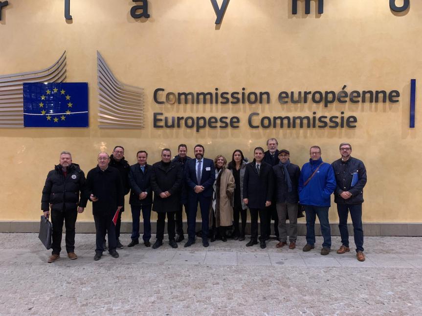 Los alcaldes del Corredor viajan a Bruselas para pedir la reindustrialización de la comarca