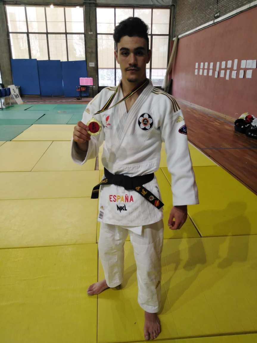 Luismi Casas, campeón de España de lucha -62 Kg