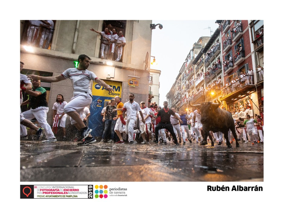 Imagen ganadora del IX Concurso Internacional de Fotografía del Encierro para Profesionales Acreditados de 2019