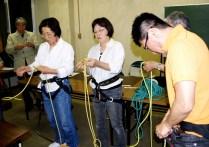 ザイルの結び方も練習あるのみ