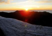 10.蝶ヶ岳方面からの日の出