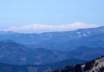 遠く、白山が望めました。展望がいいのがこの季節の良さ。