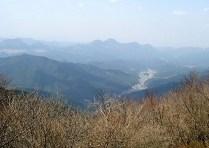 3.三峰山から望む室生山地。。。
