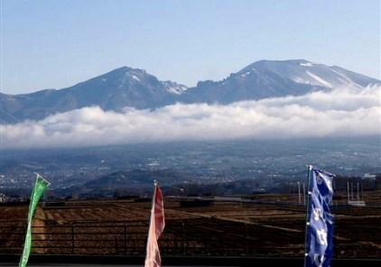 ①快晴の朝を迎え絶好の登山日和(AM6:00の浅間山)