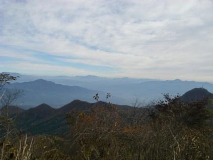 16,榛名富士から赤城山方向を臨む