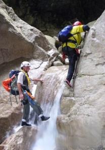 楽しく攀じ登る。