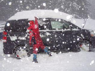 61 ひでの愛車、ノア子が雪まみれ。。