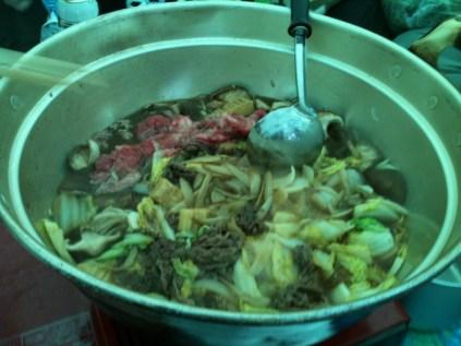 24大鍋で豪快にすき焼き作ります