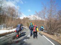 02ザック星人、富士山に向かう