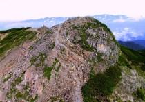 15 農鳥岳から間ノ岳を目指す。