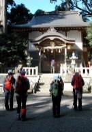 惣王神社で今日の無事を感謝した。