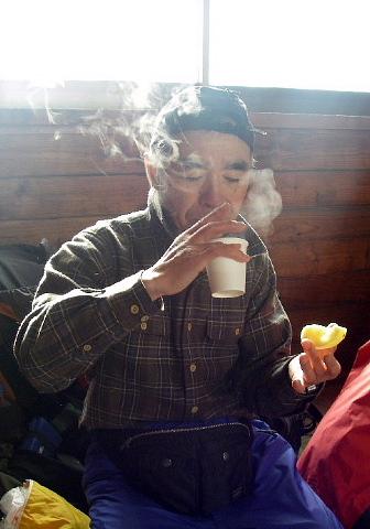 07.暖かい甘酒が美味しい~避難小屋にて