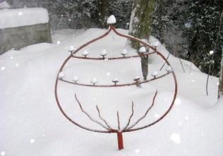 蝋燭立にも、雪が可愛く積もっていました。