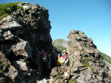 笠ヶ岳の手前にある、巨大岩の門
