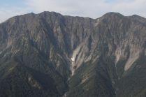 07 雪渓の残る一ノ倉沢