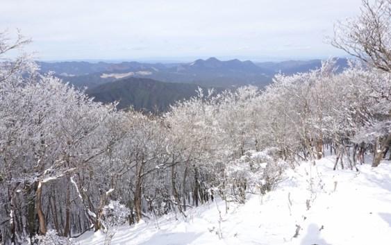 三峰山(1,235m)