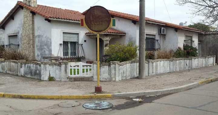 Vandalismo en Totoras: una docena de espejos rotos