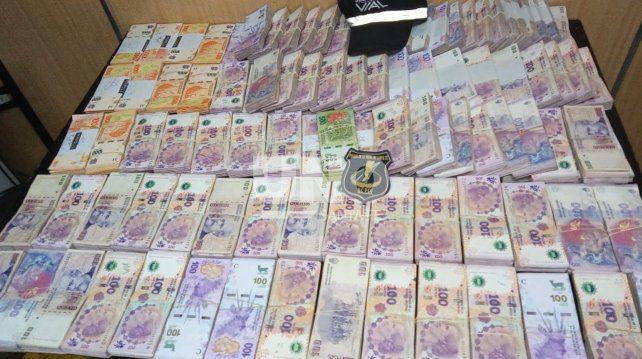 Incautan a un sangenarino 2.153.000 pesos de origen incierto en un control policial de tránsito