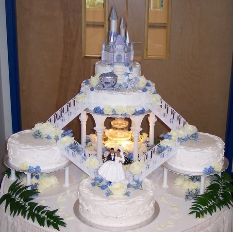 wedding cakes_cake_castle wedding cake_wedding cake desing