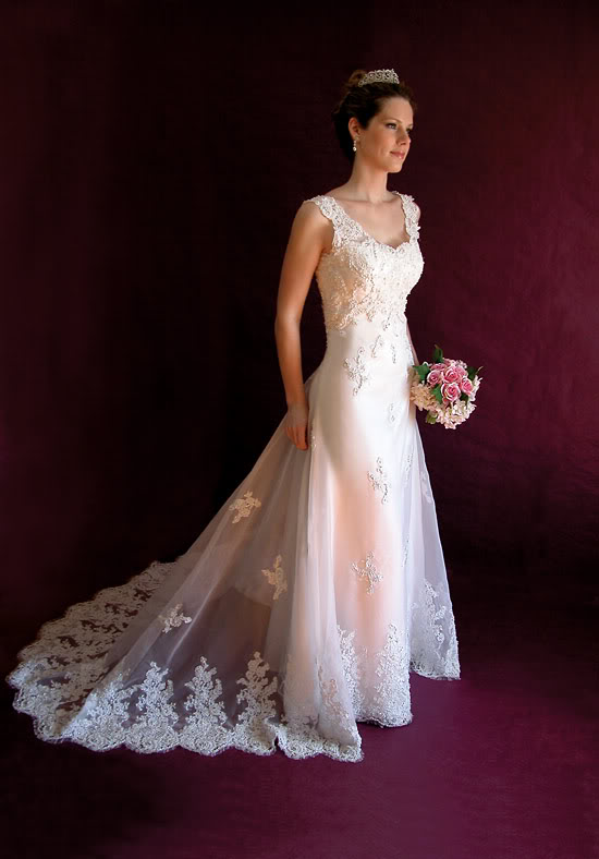 Elegant wedding dress with square scoop neckline