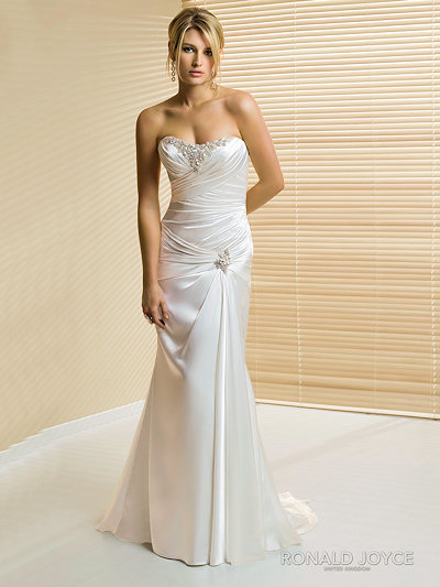 wedding dress with column shape