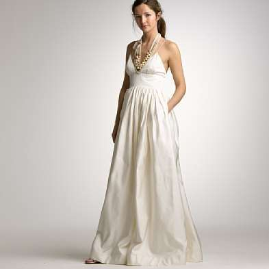 v-neck wedding dress with pocket