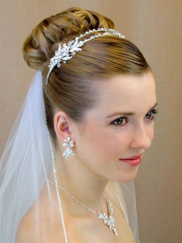 bridal veil with swarovksi crystal