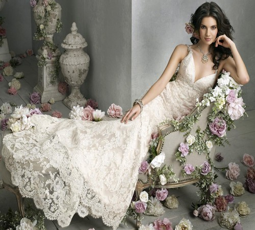 Elegant Wintage Lace Wedding Dress