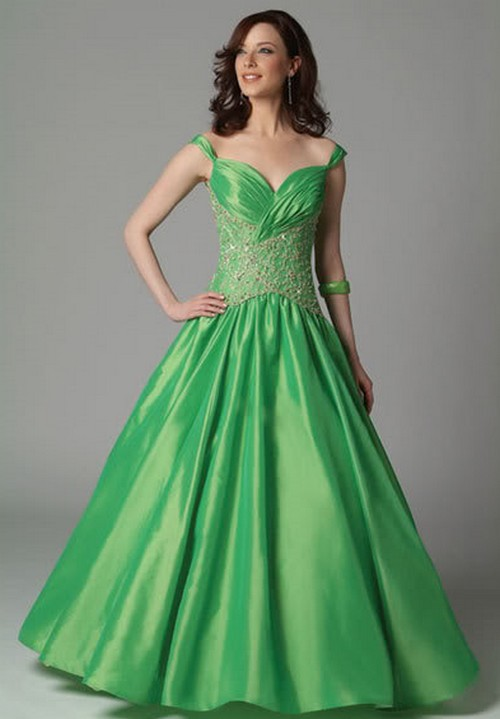 green princess wedding dress with sweetheart neckline