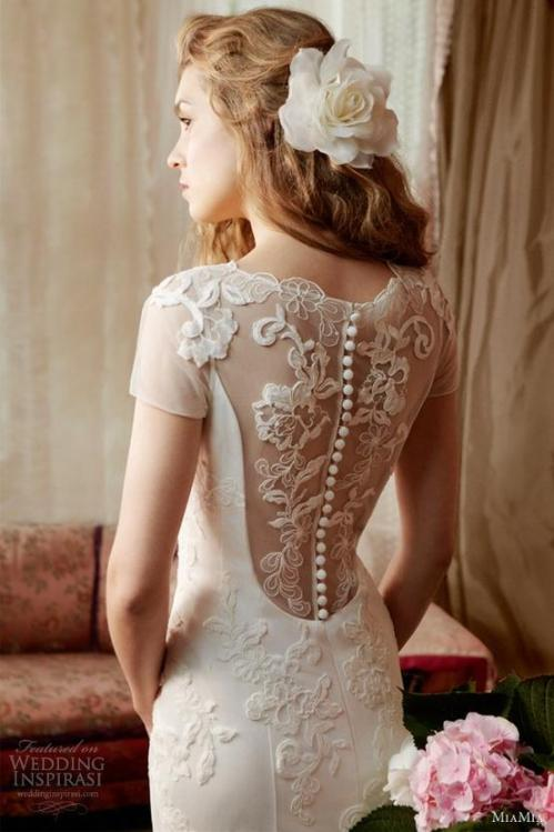 cap sleeved dentelle wedding dress by MiaMia