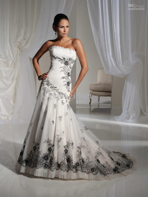 vintage strapless wedding dress with black lace