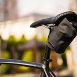 【見た目が大事】ロードバイクのサドルバッグはロールタイプがおすすめ