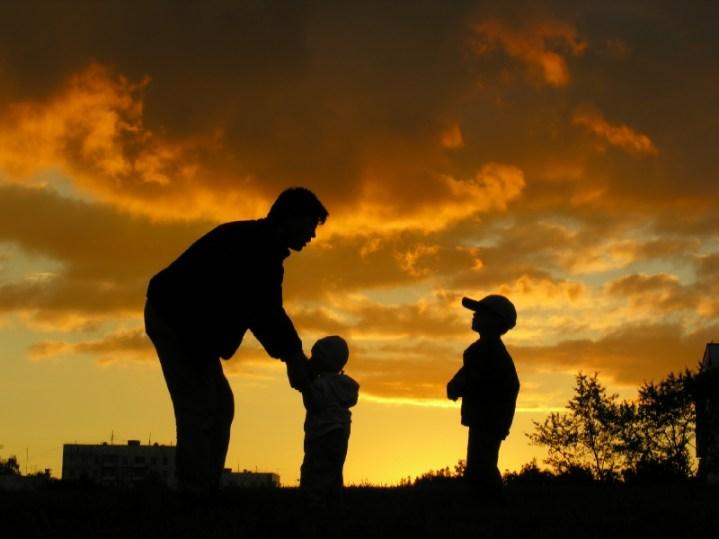 Penyebab Kerusakan Akhlak dan Mental Anak Adalah Para Ayah
