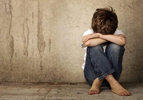 Engkaulah Yang Menjauhkan Anakmu Sendiri